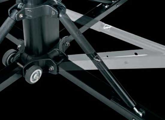 Manfrotto 587 B Black Magic Kurbelstativ, Schwarz, G: 80kg, L: 200kg, H:  1.65m   6m, Aufnahme: TV Zapfen 28mm