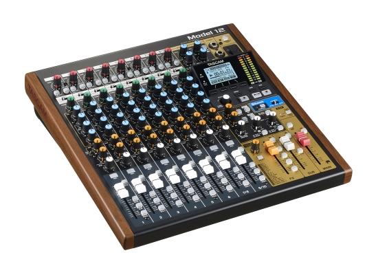 Tascam Model 12 Mischpult, 10 Kanal, 12-Spur-Recorder, IN: 8x XLR/Line Kombibuchse/ 2x Klinke 6.3mm, OUT:2xXLR 3pol